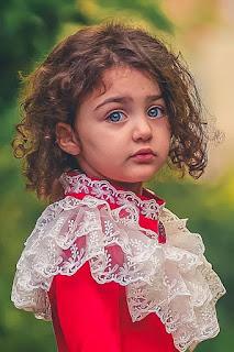 اناهيتا هاشم زادة اجمل طفلة فى العالم