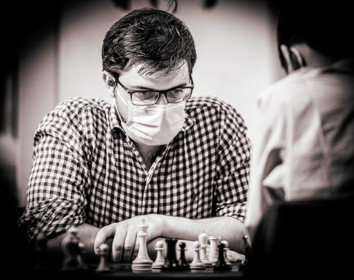 Extraordinaire, le grand-maître des échecs français Maxime Vachier-Lagrave a été tout simplement impitoyable contre la Berlinoise de Jeffery Xiong - Photo © Lennart Ootes