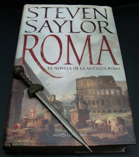 Portada del libro Roma, de Steven Saylor