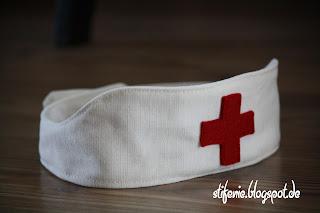http://www.b-patterns.com/blog/schwesternhaeubchen-fuer-kleine-krankenpfleger/