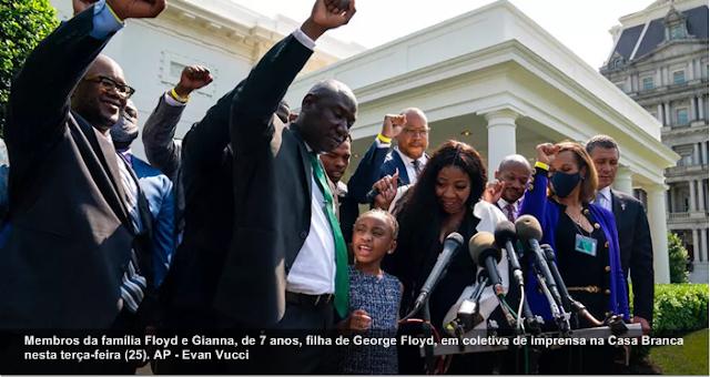 """Após reunião na Casa Branca, Biden exalta """"coragem extraordinária"""" da família de George Floyd"""
