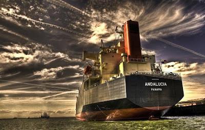 Increíble fotografía HRD de barco