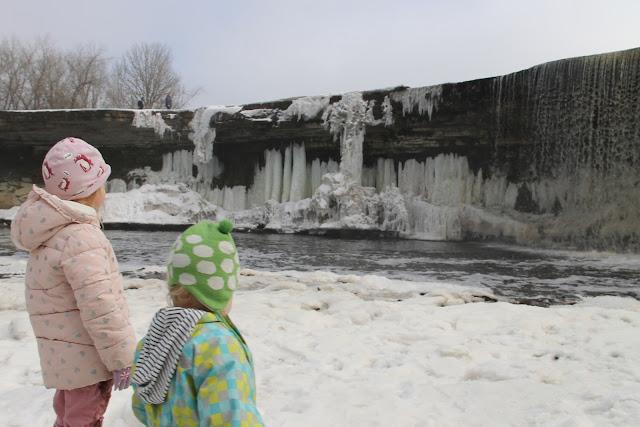 jägala vesiputoukset lasten kanssa, nähtävyys Virossa