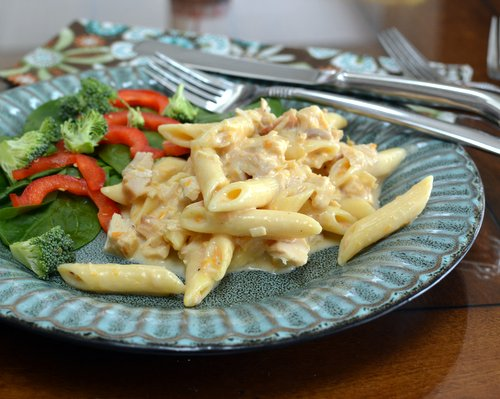 Mac n Chicken, just your best Mac n Cheese with chicken, with protein ♥ KitchenParade.com. One-Pot Comfort Food. Weeknight Easy, Weekend Special. Long-Time Family Favorite. High Protein. Great for Meal Prep. Recipe, insider tips, nutrition and Weight Watchers points included.