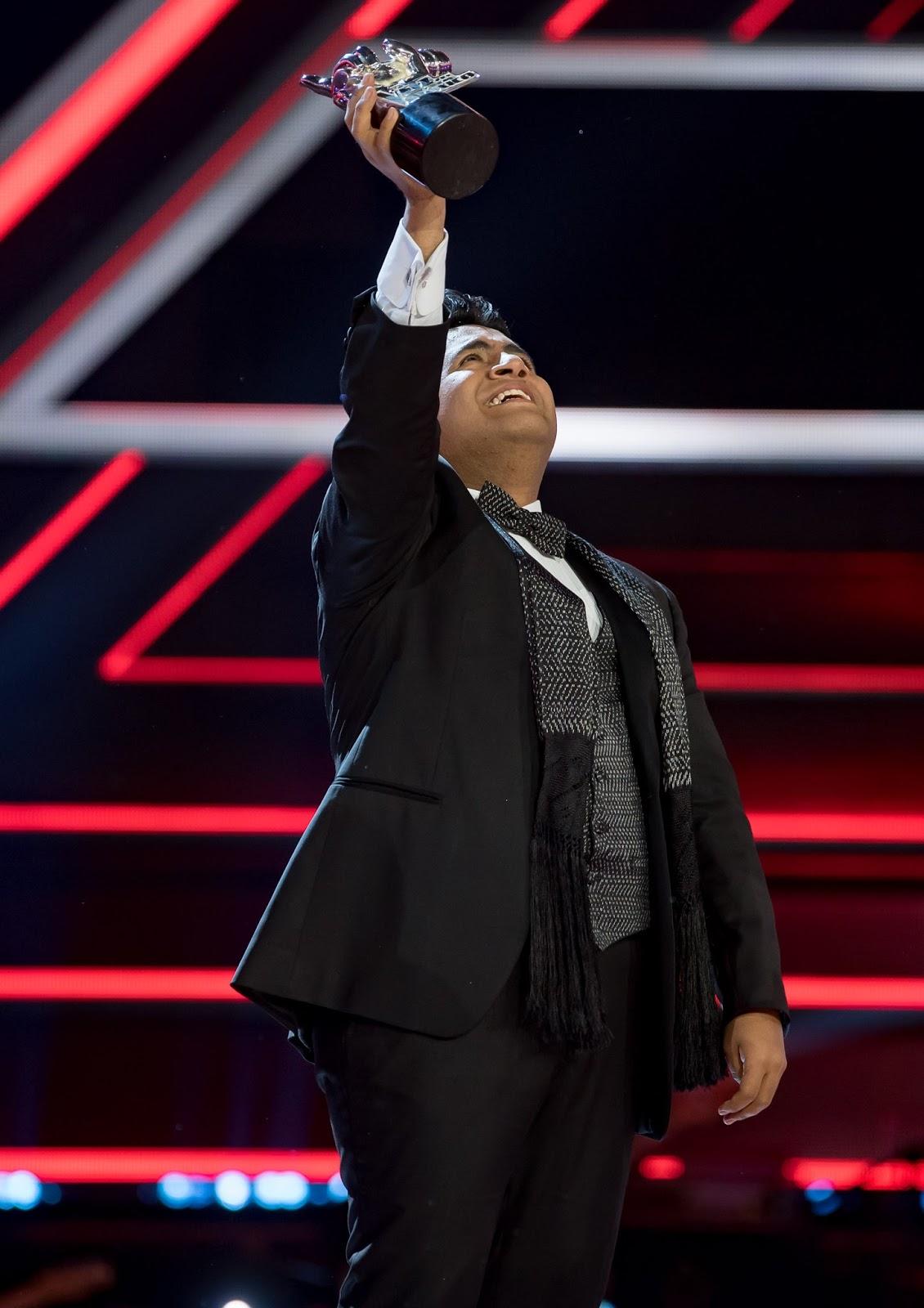 Luis adri n ganador de la voz m xico noticias de for Chismes del espectaculo en mexico
