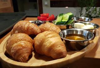 barbazur cafe ortaköy'de gezilecek yerler ortaköy kahvaltı mekanları barbazur cafe coffee croissant burger