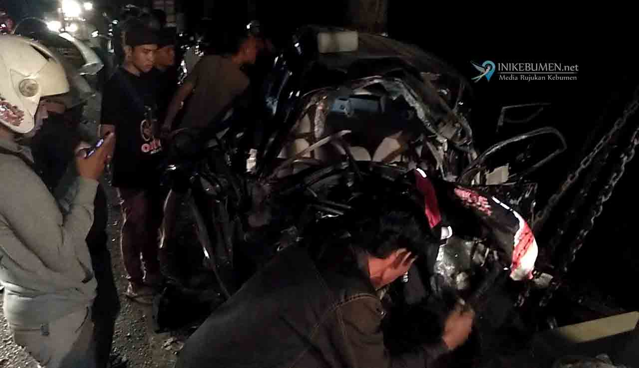 Kecelakaan Maut di Alang-alang Amba, Tujuh Warga Demak Tewas Seketika
