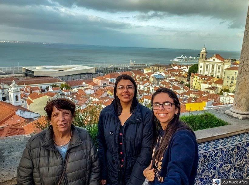 Modelando no Miradouro de Santa Luzia - o que  fazer em Lisboa