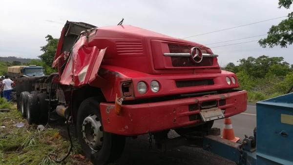 CAXIAS  - Motorista de caminhão morre em acidente na BR-316 no Maranhão