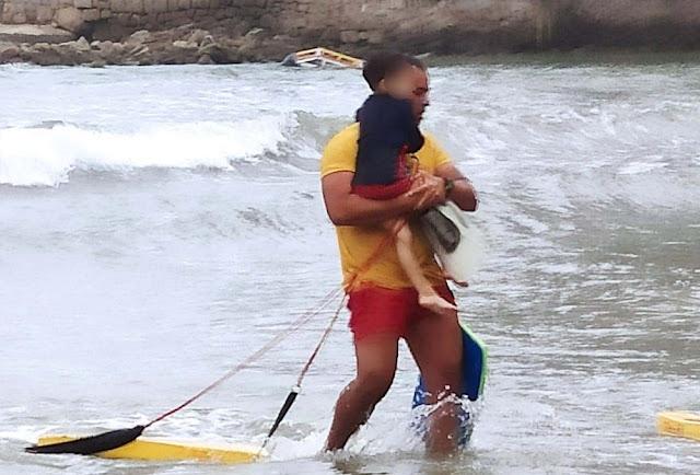 Bombeiro se emociona e chora ao salvar criança de 4 anos que se afogava em SP