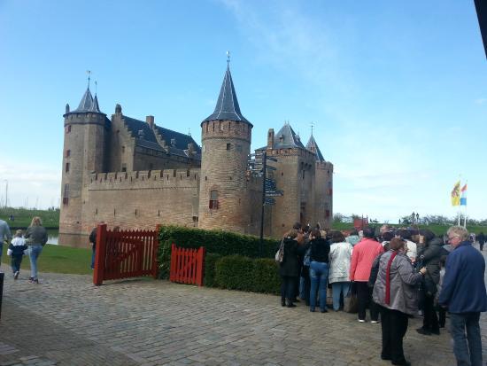 Informações para ir até o Castelo Muiderslot em Amsterdã