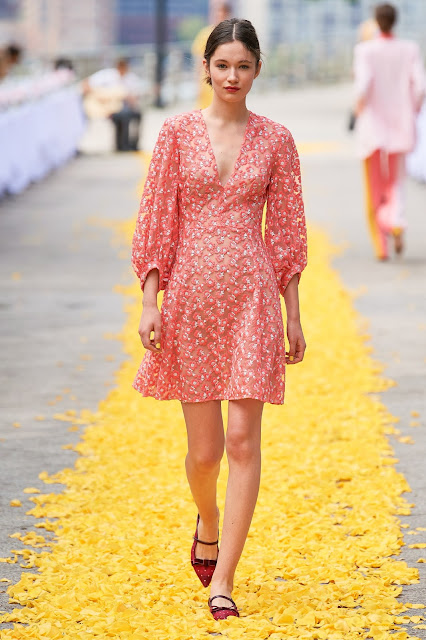 Pink red floral dress for spring and summer