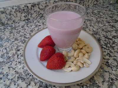 Bebida de fresas y anacardos