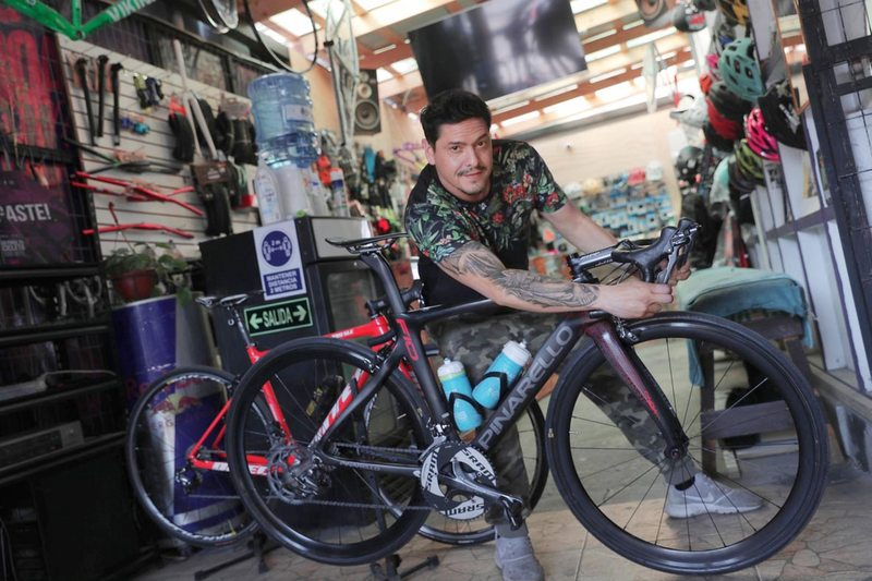 Ex Mekano atiende local de bicicletas