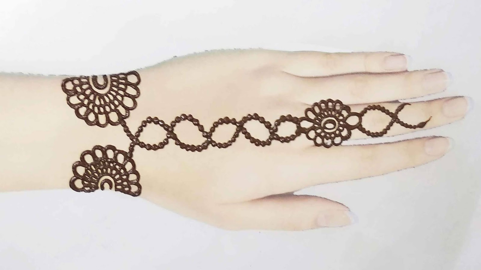 mehndi tattoo for girls