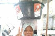 Penjual Bubur Ikut Kampanye
