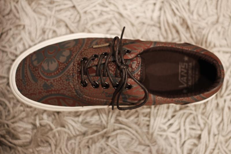 34bc4b94f7 Astron Sneaker Hunts  Wares  Vans California Era - Washed Paisley