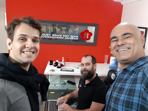 Eu, e meus irmão Kung Fu, Guilherme de Farias(de pé) e Cláudio Teixeira.
