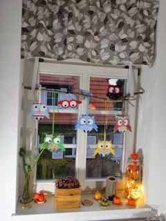 ines felix kreatives zum nachmachen eulenfenster herbstdekoration. Black Bedroom Furniture Sets. Home Design Ideas