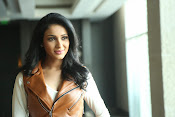 priyashri new sizzling stylish photos-thumbnail-13