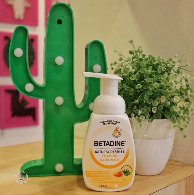 Betadine Natural Defense Foaming Hand Wash Manuka Honey Review