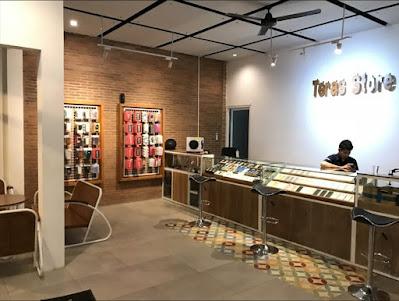 Informasi Lowongan Teras Store adalah sebuah store kusus Iphone yang berdiri sejak 2015 menyediakan jasa jual beli dan service dengan pelayanan terbaik. Teras Store Cabang Kudus membuka kesempatan kerja untuk posisi
