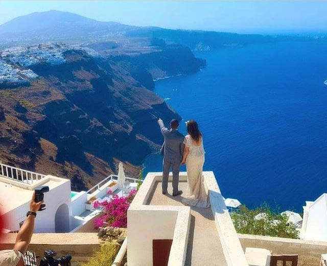 Shuu!? See where Monalisa and hubby posed during wedding in Greece