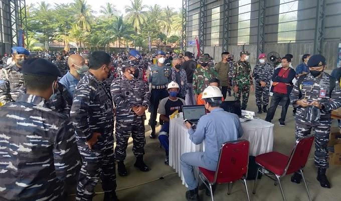 Danrem 064/MY Dampingi Kunker Wakil Kepala Staf TNI Angkatan Laut (Wakasal) dan Meninjau Serbuan Vaksinasi di PT. CMS