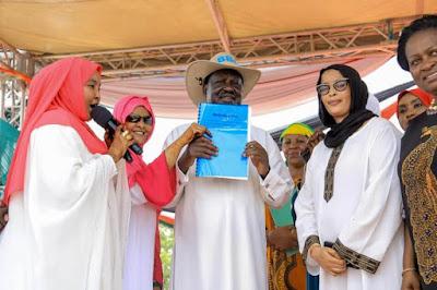 Raila Odinga with North-Eastern Women representatives. PHOTO | BMS