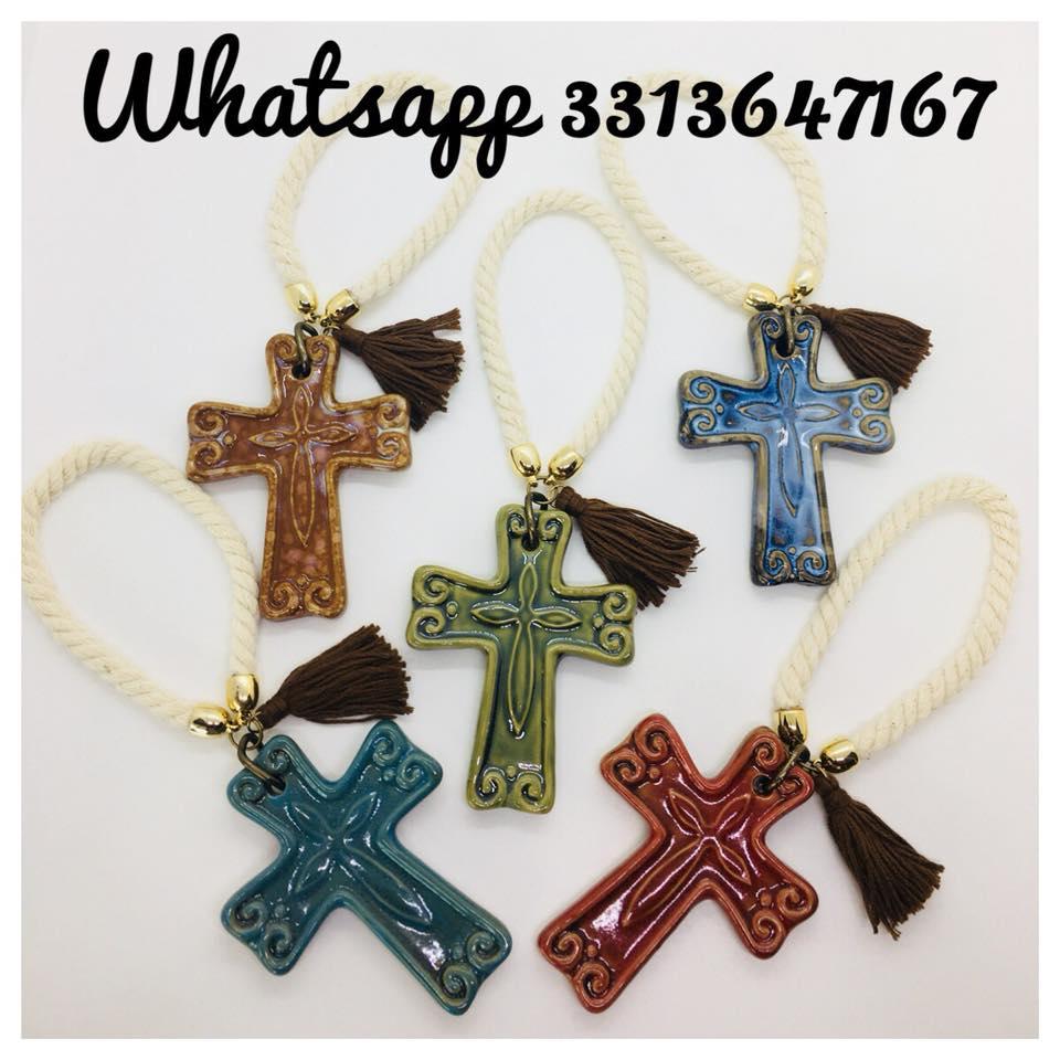 4287ed89e Cruces de Cerámica (9 cm )para la puerta como. Recuerdo de Bautizo y Primera  Comunión Boda