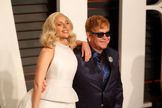 """Elton John revela sua música preferida do disco """"Chromatica"""" e comenta sobre amizade com Gaga"""