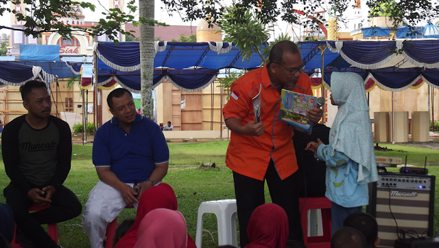 CFD Literasi bersama INPRASA, DISPUSIP Pekanbaru, dan SMA Negeri 7 Pekanbaru