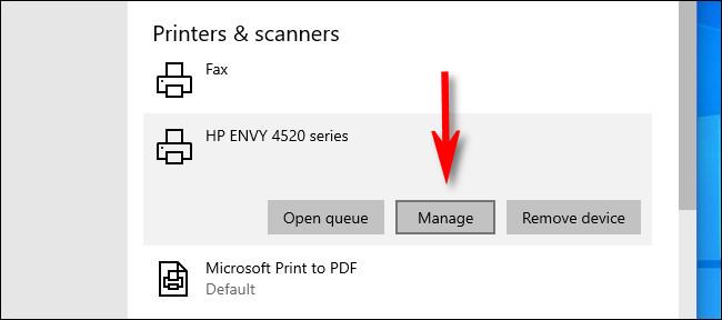 """في إعدادات Windows 10 ، انقر فوق الطابعة التي ترغب في تعيينها كطابعة افتراضية وحدد """"إدارة""""."""