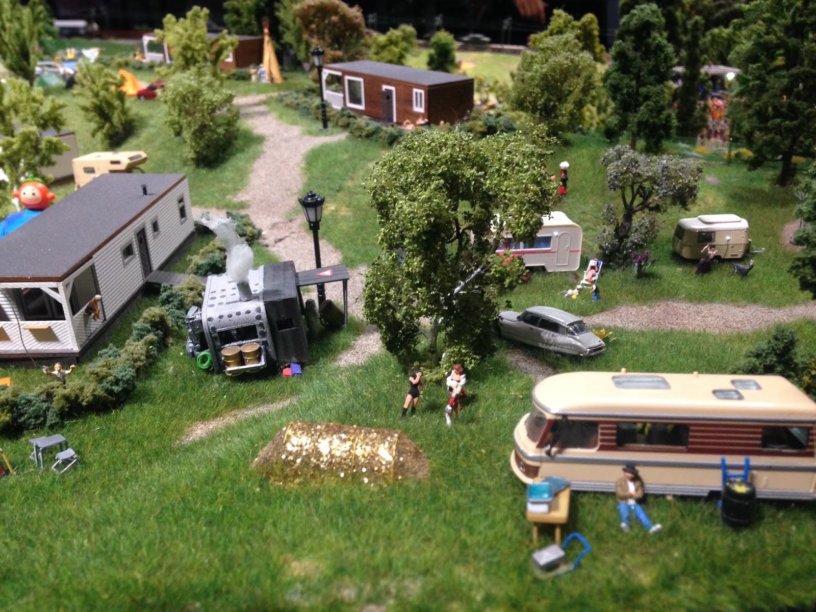 Mini World Lyon, le camping