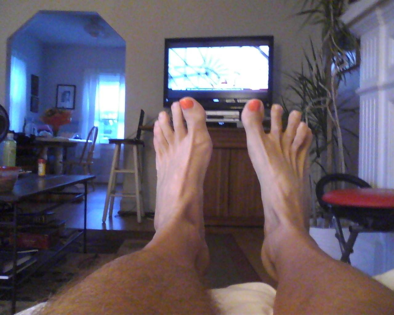 So Here I Am Sitting Watching My Tennessee Vols And Leah Brings Out The Paint Brush S Toenails With Orange Scored On Play