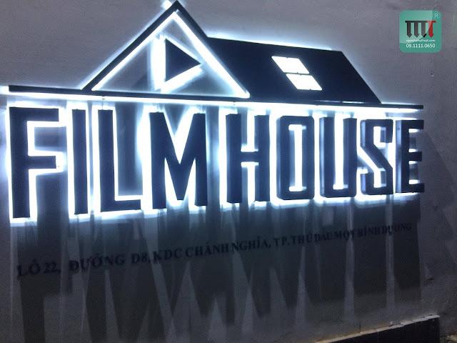 thiet ke thi cong rap phim film house