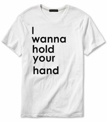 I want to hold your hand tee camiseta