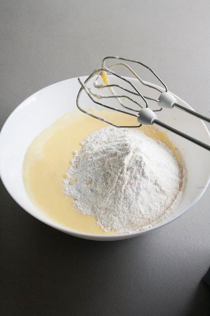Torta allo yogurt francese step 2