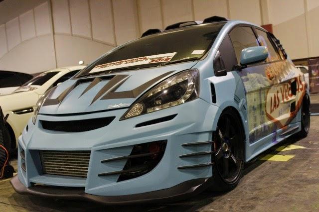 Mobil Honda Jazz RS kontes