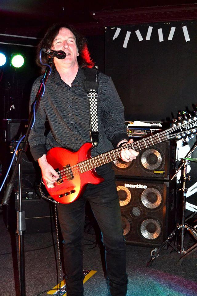 Hamer 12-string bass