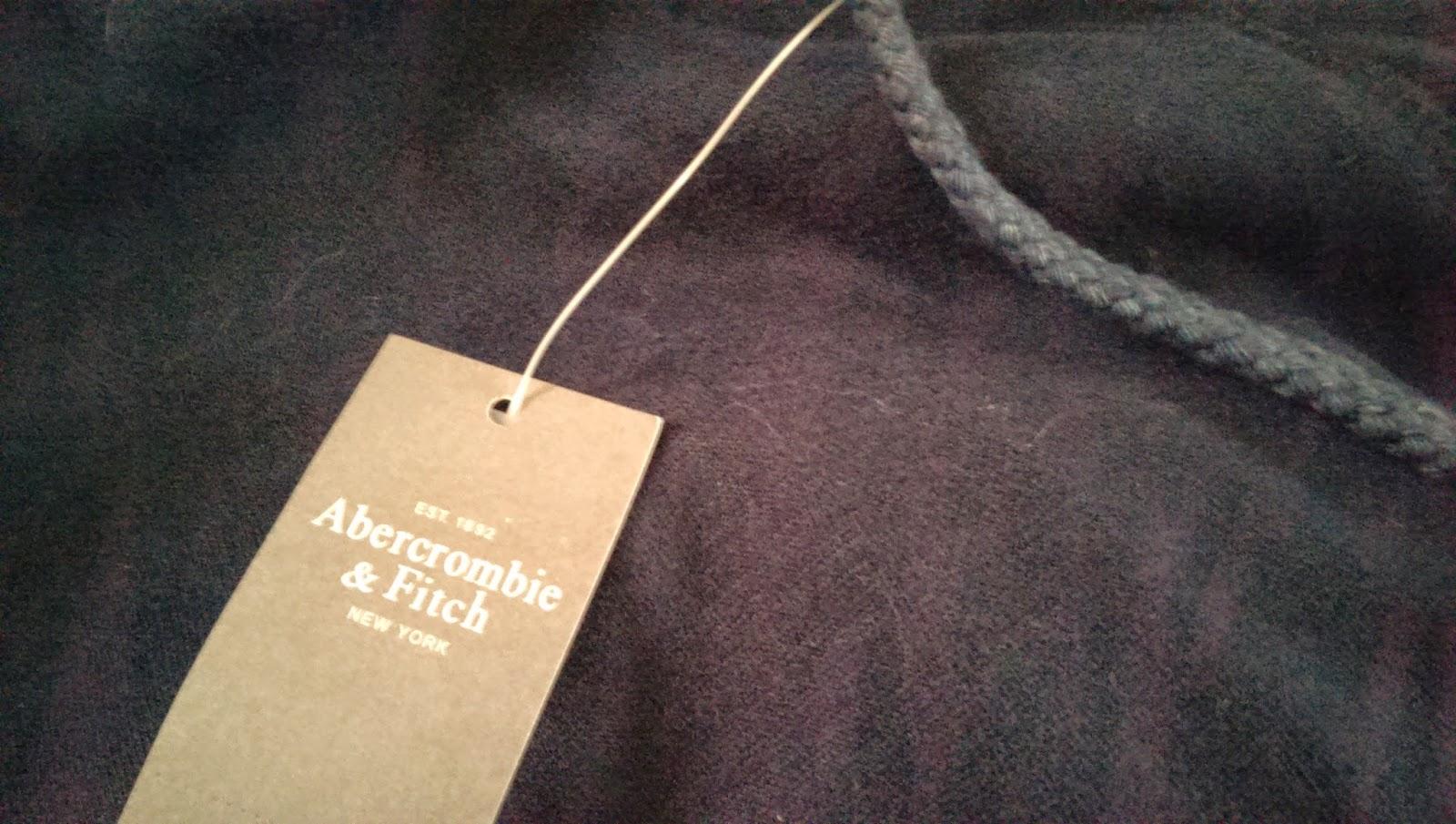 2015 01 10%2B13.21.30 - [淘寶購物初體驗] 開箱囉!A&F厚重的刷毛外套+評價商品篇!