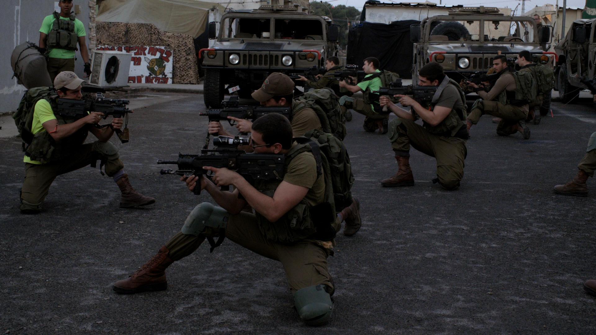 Soldado Estrangeiro | Documentário impressiona pelo ritmo coeso e sutil - CRITICA