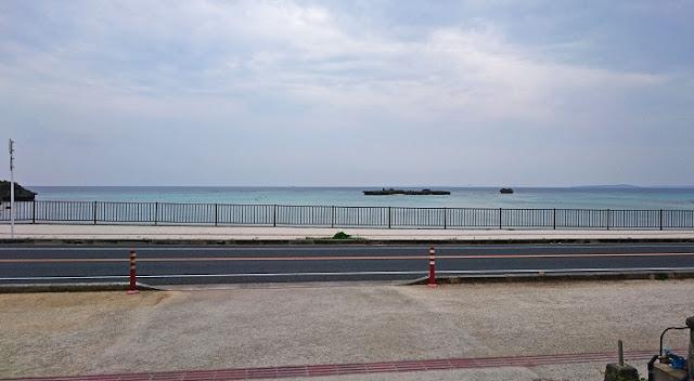 恩納村瀬良垣の海の写真