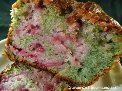 Cake marbré aux framboises