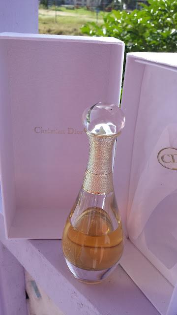 Christian Dior J'adore L'Or Essence de Parfum - www.modenmakeup.com