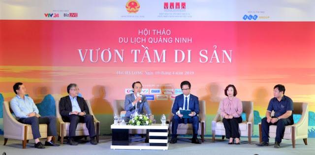 """Các đại biểu tham gia tọa đàm với chủ đề """"Giải pháp phát triển hạ tầng du lịch"""""""
