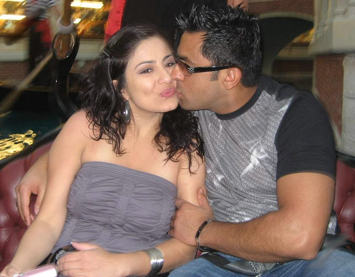 22 bhabhi and her husband friend fucking nicely 3