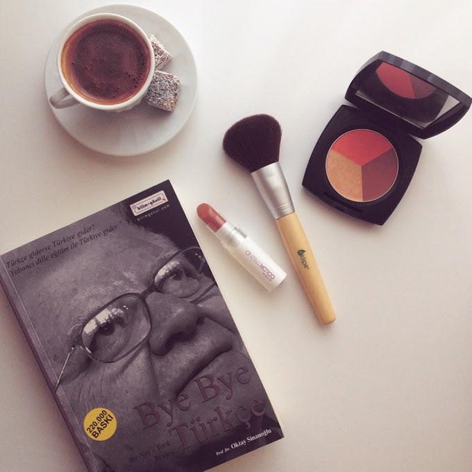 Bir Kitap Bir Kahve