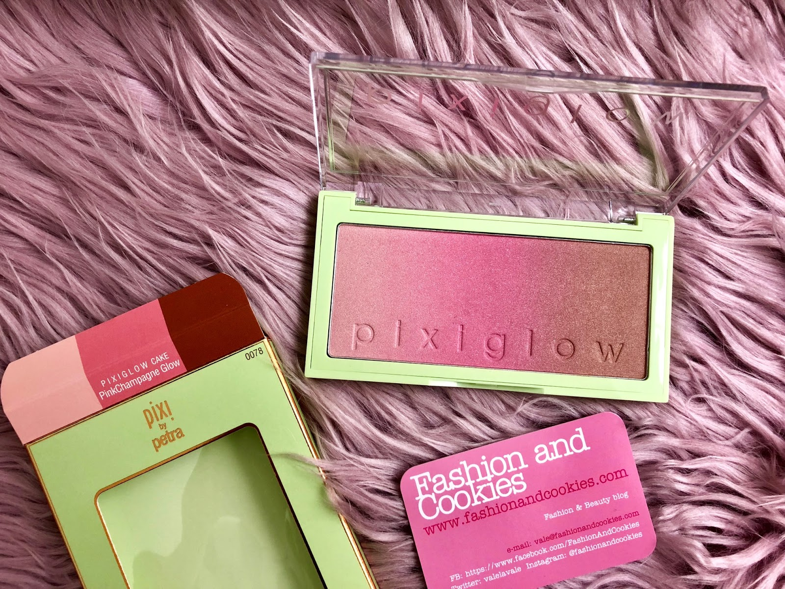 PixiGlow Cake palettes: new from Pixi Beauty PinkChampagne glow on Fashion and Cookies beauty blog