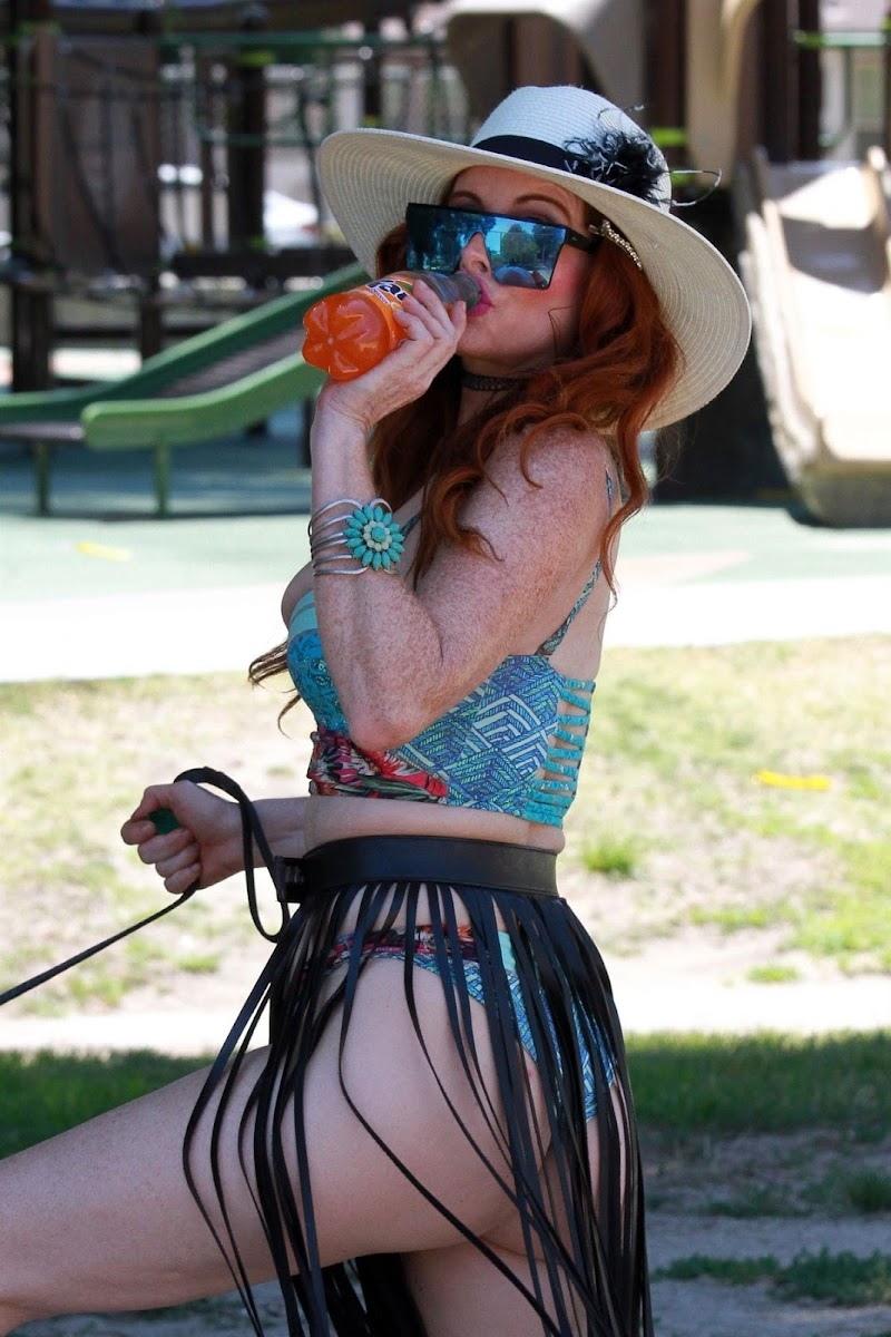 Phoebe Price Clicked at a Park in Los Angeles 3 Aug- 2020
